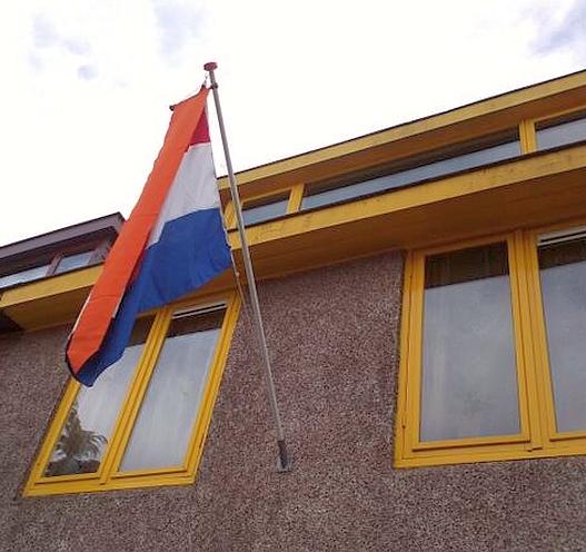 Vlag uit 30 april Astrid Zimmerman