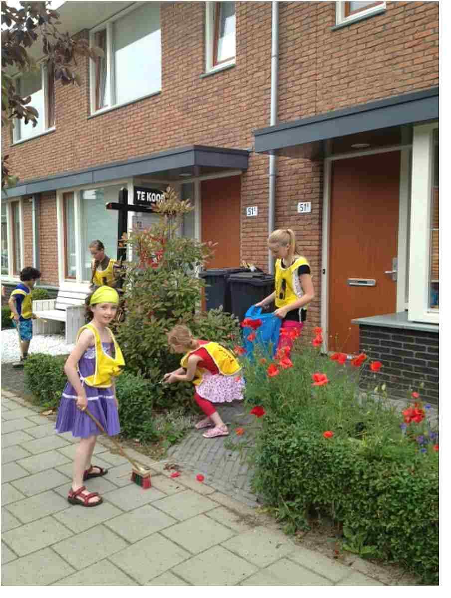 Da Costaschool kids vegen Hoograven
