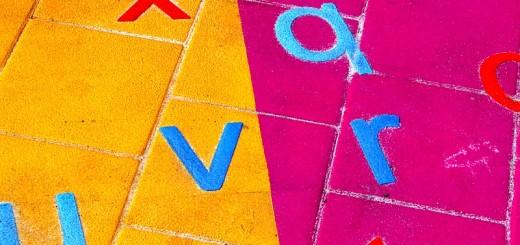 Pleinstickers Doper letters felle kleuren