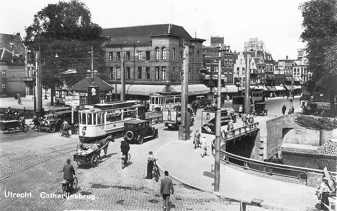 Trams vooroorlogs bij Vredenburg