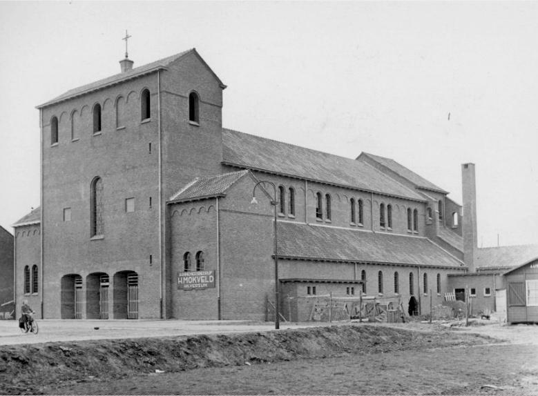 St Johannes de Doperkerk 1953 bijna Klaar gesloopt 1992 Plettenburghplantsoen 2