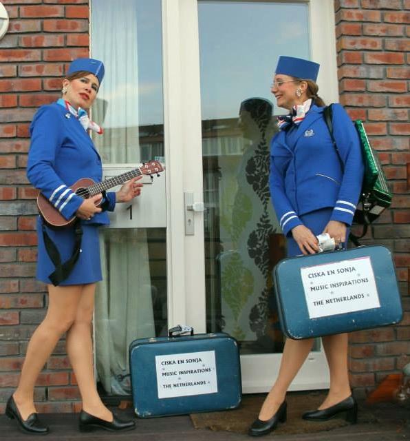 GBDB Ciska en Sonja stewardessen