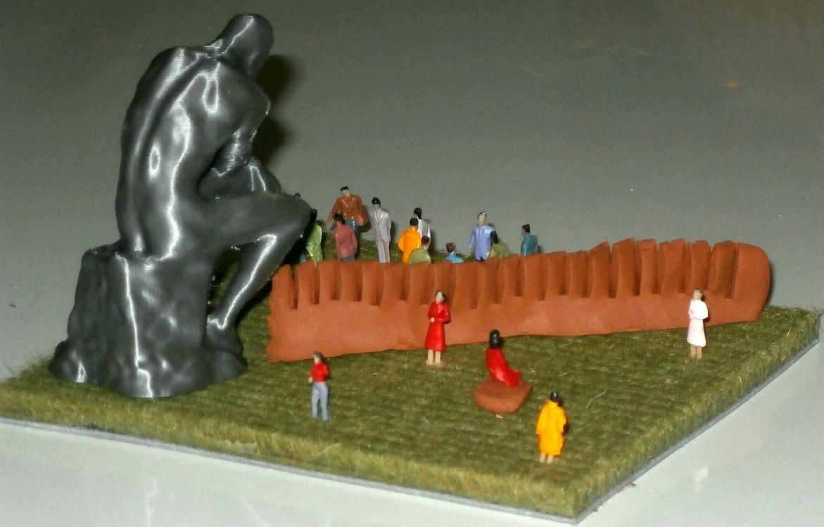 Rotslab Miniature Art Rodin en Kam vrouwen en mannen