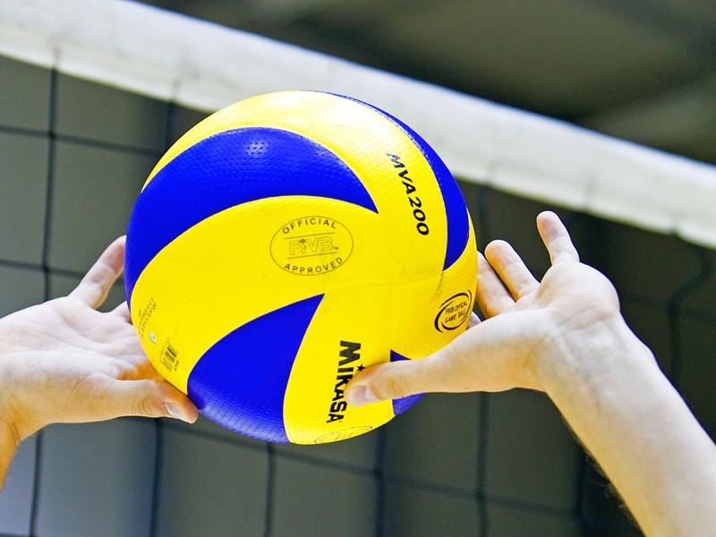 volleybal bal en handen